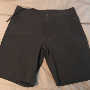 BLACK Lululemon men's shorts. BRAND NEW. Size 33